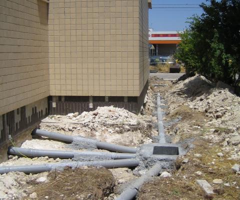 2008, rifacimento impianti tecnologici poliambulatori USL, comune di Galatone (LE)
