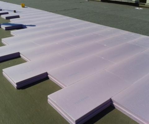 Realizzazione cappotto termico su tutte le superfici dell'involucro; sostituzione infissi a taglio termico e vetri basso-emissivi; scuola media, comune di San Cesario di Lecce (LE)