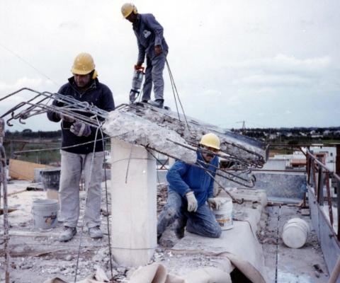 2001, I.A.C.P. - via Marconi, Dragoni di Lequile (LE) - Risanamento edile con demolizione pensiline terrazza